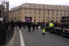 papa-francesco---piazza-san-pietro-marzo-2013_13911105224_o