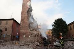terremoto-emilia-e-campo-operativo-nazionale-delle-misericordie-a-san-felice-sul-panaro_13887758916_o