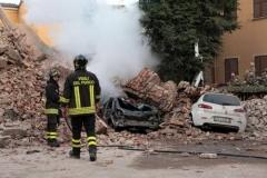 terremoto-emilia-e-campo-operativo-nazionale-delle-misericordie-a-san-felice-sul-panaro_13887762042_o