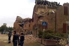 terremoto-emilia-e-campo-operativo-nazionale-delle-misericordie-a-san-felice-sul-panaro_13910872695_o