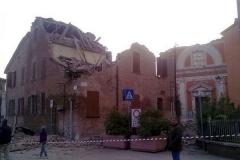 terremoto-emilia-e-campo-operativo-nazionale-delle-misericordie-a-san-felice-sul-panaro_13910872735_o