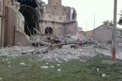 terremoto-emilia-e-campo-operativo-nazionale-delle-misericordie-a-san-felice-sul-panaro_13910872975_o